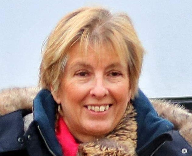 Lesley Fitton
